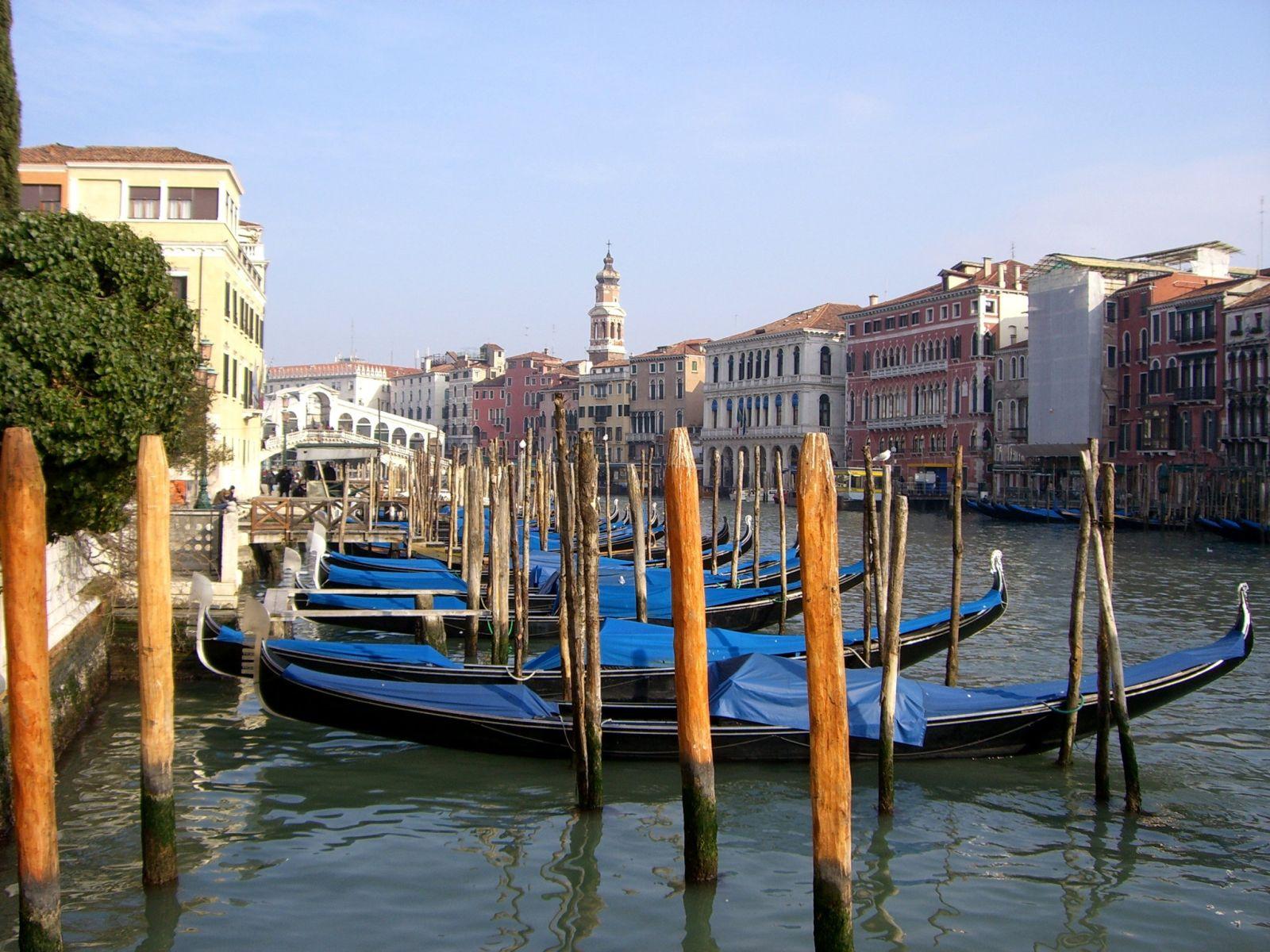 Canal-Grande_-S.-Silvestro